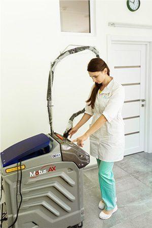 Laser hair removal on alexandrite laser Deka Motus AX Moveo